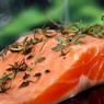 Названа опасность употребления обычного лосося