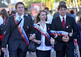 В российских школах сегодня звучат последние звонки для выпускников