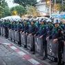 Премьер Таиланда предложила народу решить вопрос ее отставки