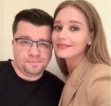 """Харламов ответил на сообщение о своем """"фейковом"""" разводе с Асмус"""
