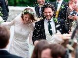 """Главные звезды """"Игры престолов"""" сыграли настоящую свадьбу в Шотландии"""