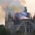 Пожар в Нотр-Дам де Пари удалось потушить