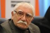 Армен Джигарханян снова попал в больницу