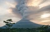 Россиян эвакуируют с Бали на соседние острова из-за извержения вулкана
