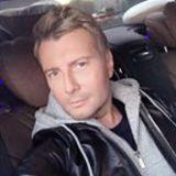 Басков вызвал недоумение пользователей снимком своих родителей