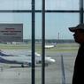Дипломатический скандал: чешских законодателей задержали в аэропорту