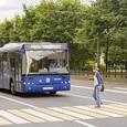 Школьный автобус попал в аварию на западе Москвы