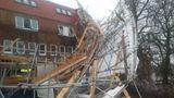 В Англии небывалый шторм обесточил целый район