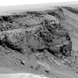 Марсоход набрел на статую древнего марсианина и отправил снимки на Землю