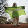 Активистов Greenpeace хотят засадить еще на три месяца