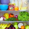 Питаясь при синем свете, люди съедают больше