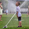 Положительные эмоции повышают у детей уровень внимания