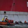 Судно Greenpeace обыскивают, как корабль из романа о пиратах