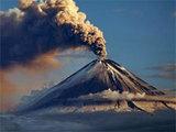 На Камчатке вслед за Ключевской пыхнул пеплом вулкан Шивелуч