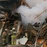 Взрыв газа под Омском: спасатели достают из-под завалов погибших