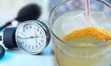 Медики рассказали, какую воду надо пить для снижения давления