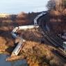 В США поезд превысил скорость в 3 раза и сошел с рельсов