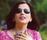 В Сети обсуждают детские фотографии Дианы Гурцкой без очков