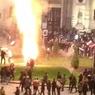 Националисты в Варшаве устроили пожар рядом с посольством России