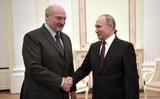 Появилось видео катающихся на лыжах Лукашенко и Путина
