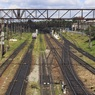 Легковушка столкнулась с электричкой на железнодорожном переезде в Подмосковье
