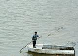 """Бывший питерский депутат обстрелял прогулочную лодку, """"посмевшую"""" приблизиться к его участку"""