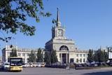 Мистика: ночью Волгоград вернулся к московскому времени и гасил пожар на крупном рынке