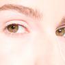 Психологи научились манипулировать людьми по движению глаз
