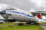 Самолёт МЧС сбросил тонны воды на сотрудников ДПС