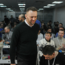 Алексея Навального снова принудительно везут в суд