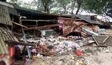 Момент обрушения цунами на побережье Индонезии попал на видео