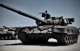 На видео попал танк Т-80, стреляющий дровами