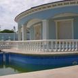 На испанском курорте можно пожить в плавучем доме