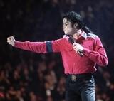 Семья Майкла Джексона требует с канала HBO 100 млн долларов компенсации