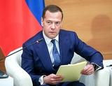 Вновь назначенный премьер Медведев начал с темы повышения пенсионного возраста