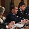 Как менялся рейтинг Медведева на протяжении восьми лет его премьерства