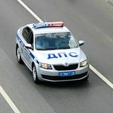 Автоледи протаранила машину ДПС и сбила инспектора на Кубани