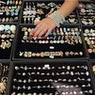 Историк моды Васильев научил женщин-депутатов носить бриллианты