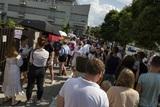 В центре Минска ОМОН провел задержания протестующих, мотивируя тем, что акция несанкционирована