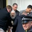 Шведская прокуратура прекратила дело против Ассанжа