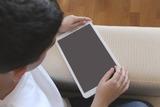 Госдума приняла в первом чтении закон о доступе к данным геолокации телефонов детей