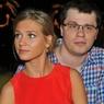 Жена Харламова заинтриговала романтическим кадром с таинственным блондином