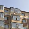 Известный фотограф выбросил с балкона девушку и убил себя
