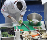 Диетологи рассчитали оптимальный режим питания для здоровья человека