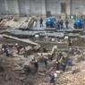 Более 10 человек могут находиться под завалами после обрушения стены в Новосибирске