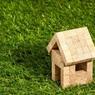 Путин поручил продумать смягчение условий ипотеки для семей с детьми