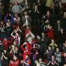 Футболистам могут запретить подходить к фанатам после случая в Перми