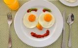 Диетологи назвали главные ошибки едоков во время завтрака