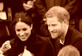 Принц Гарри решил не навещать подхватившего коронавирус отца