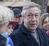 Назван режим домашнего ареста для Михаила Ефремова
